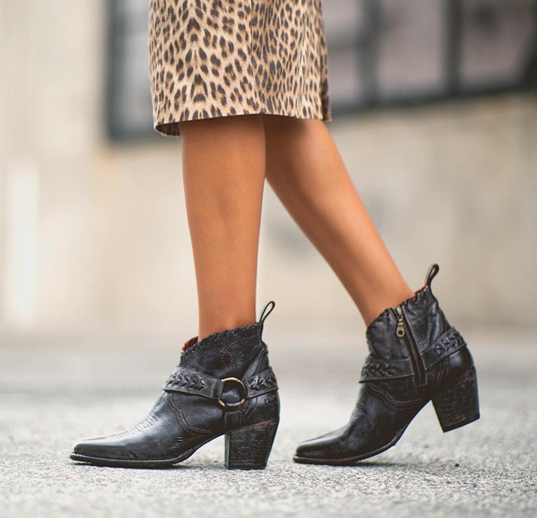 women's short boots