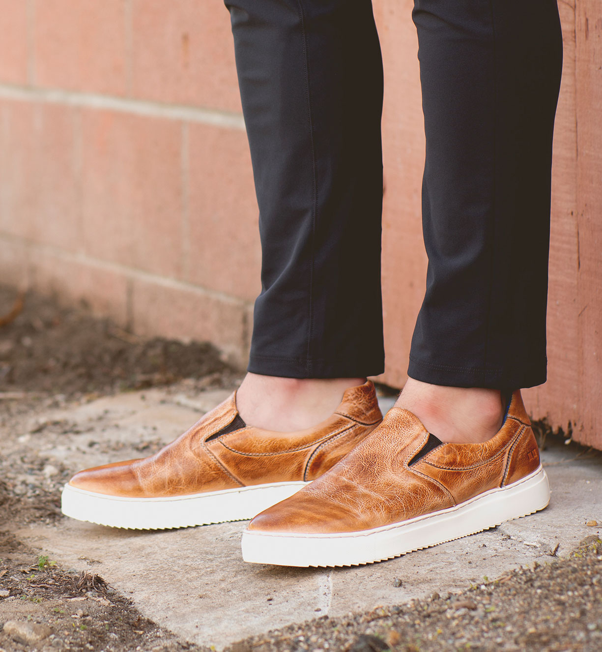 men's wearing tan colored shoes sneakers