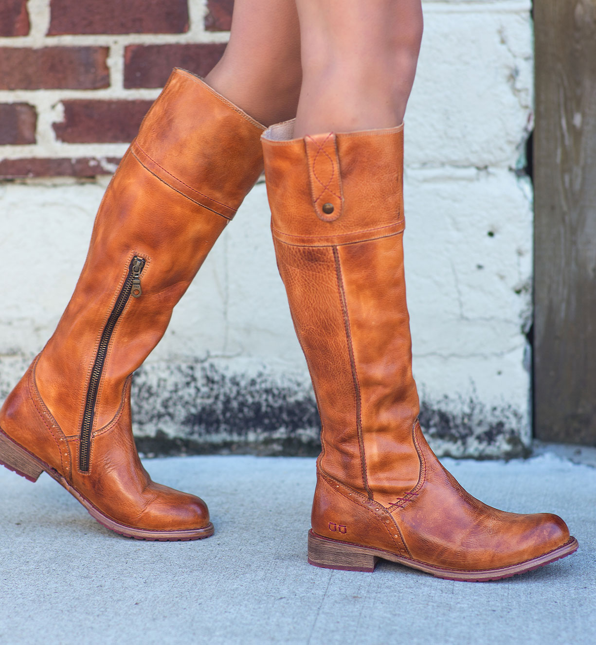 fashionable leather tall boots for women fall 2021