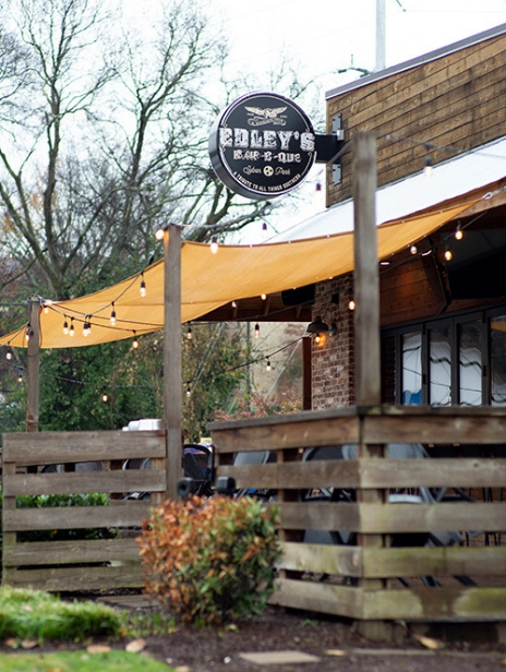 Shot of the outside eating area of Edley's BBQ in Nashville