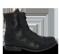 Bed|Stü's black short boot, Laurel.